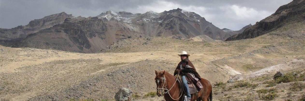 Cavalgada das Tradicões Peruanas